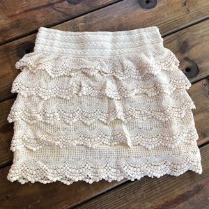 ~India Boutique~ cream lace skirt. stretchy waist